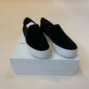 Vince NWT suede sneakers